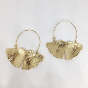 NWT Anthropologie ginkgo leafs earrings